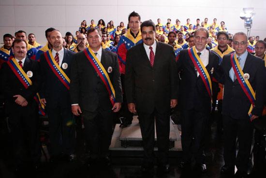 Los-Cinco-condecorados-en-Venezuela